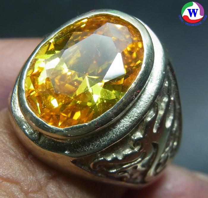 แหวนนิเกิ้ลผสมชาย 12.14 กรัม พลอยสังเคราะห์บุษราคัมแวววาว เบอร์ 64 เส้นผ่าวงใน 19 มม.