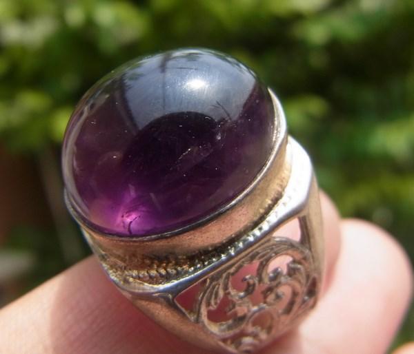 แหวนแก้วโป่งข่ามนำโชค เบอร์ 60 ครึ่ง แก้วนางขวัญสีม่วงเข้มหายาก ตัวเรือนเงินแท้