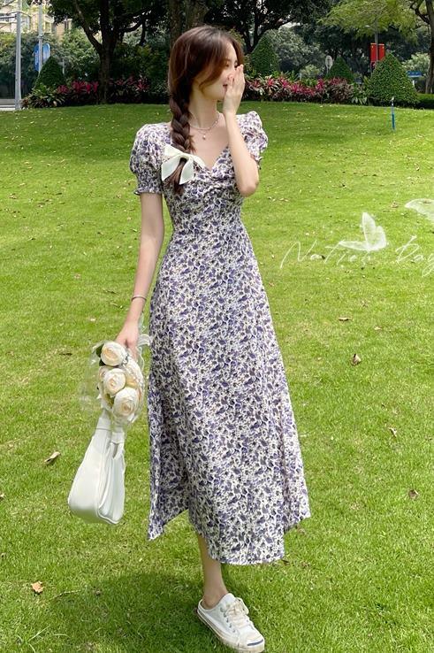 พรีออเดอร์ เดรสไปทะเล เดรสยาว วินเทจ เสื้อผ้าแฟชั่นราคาถูก สีสดใส คอวี  ลายดอกไม้ แขนจั๊ม แขนตุ๊กตา สี น้ำเงิน