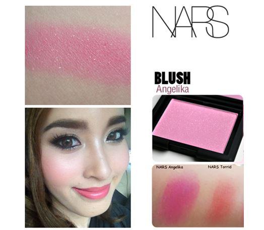 NARS Blush สี Angelika 4.8 g. (สีชมพูสดใส ประกายระยิบเปล่งปลั่ง) บลัชออนเนื้อเนียนละเอียดดุจใยไหม เนรมิตพวงแก้มสวยระเรื่อเปล่งปลั่ง ดูสุขภาพดี ด้วยเม็ดสีที่คมชัด แม้ปัดเพียงบางเบาก็ให้เนื้อสีที่ฟุ้งสวยเป็นธรรมชาติ