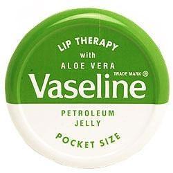**พร้อมส่ง**Vaseline Lip Therapy Petroleum Jelly Pocket Size With Aloe Vera -Petroleum Jelly-Green Pocket Size  สูตรว่านหางจระ เข้ ช่วยปกป้องริมฝีปากให้ชุ่มชื่นยาวนาน ลิปบาล์มปกป้องดูแลริมฝีปากของคุณให้ดูอวบอิ่มน่าสัมผัสมี 5 กลิ่นให้เลือก